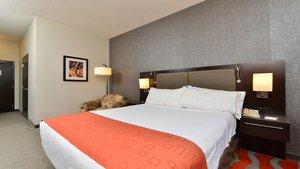 Room - Holiday Inn Express Edmonton Airport Nisku