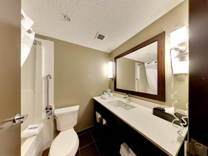 Room - Holiday Inn Express Edmonton Airport Nisku
