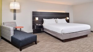 Room - Holiday Inn Express Hotel & Suites Parkersburg