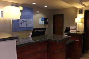 Lobby - Holiday Inn Express Airport Colorado Springs