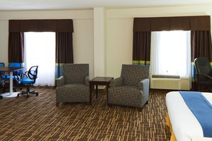 Suite - Holiday Inn Express Hotel & Suites Downtown Greenville