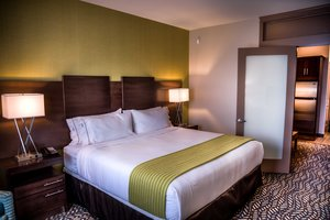 Suite - Holiday Inn Express Hotel & Suites Spruce Grove