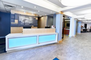 Lobby - Holiday Inn Express Hotel & Suites Dieppe