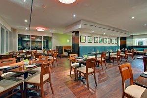 Restaurant - Holiday Inn Waterfront Kingston