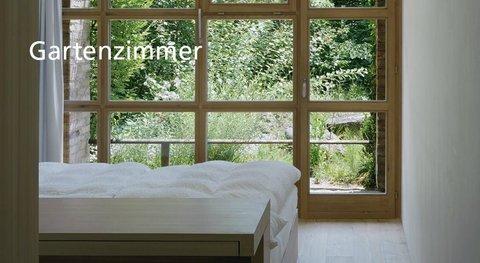 Garden room with balcony / terrace