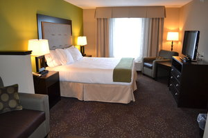 Suite - Holiday Inn Express Hotel & Suites Northwood