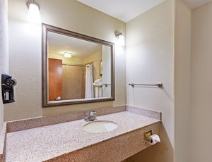 - Holiday Inn Express Hotel & Suites South Lafayette