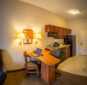 - Candlewood Suites Airport South Bend