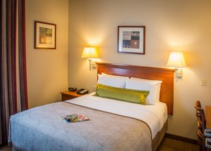 Room - Candlewood Suites Airport South Bend