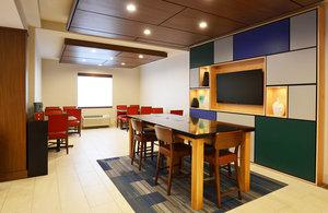 Restaurant - Holiday Inn Express Bridgeville