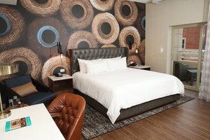 Room - Hotel Indigo Naperville