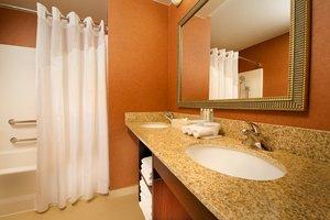 - Holiday Inn Express Hotel & Suites Manassas