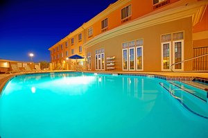 Pool - Holiday Inn Express Hotel & Suites Grant Tucson