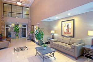 Lobby - Holiday Inn Express Hotel & Suites Grant Tucson