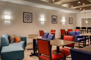 Restaurant - Holiday Inn Express Southwest Oroville