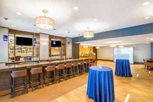 Restaurant - Crowne Plaza Hotel Newton