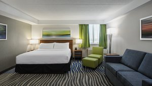 Suite - Holiday Inn Winnipeg Airport West