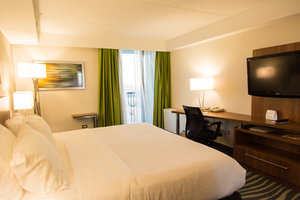 Room - Holiday Inn Winnipeg Airport West
