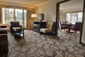 Suite - Holiday Inn Centreville Downtown Montreal