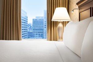 Suite - Crowne Plaza Hotel Arlington