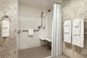 Room - Crowne Plaza Hotel Arlington