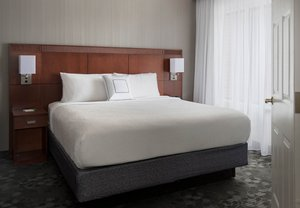 Room - Courtyard by Marriott Hotel Milford