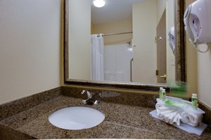 - Holiday Inn Express Hotel & Suites Columbia
