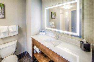 - Holiday Inn Express Hotel & Suites West Cleveland Westlake