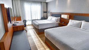 Room - Holiday Inn Express Hotel & Suites Vaudreuil