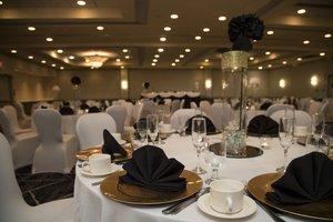 Ballroom - Holiday Inn College Park