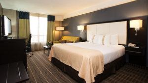 Room - Holiday Inn Hotel & Suites Mississauga
