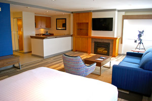 Suite - Holiday Inn Express Vancouver Airport
