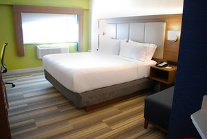 Room - Holiday Inn Express Vancouver Airport