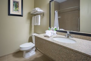 - Holiday Inn Express Hotel & Suites Woodbury