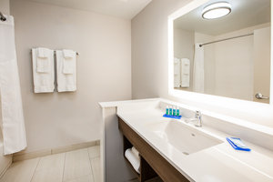 - Holiday Inn Express Hotel & Suites Woodstock
