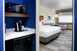 Suite - Holiday Inn Express Hotel & Suites Cypress