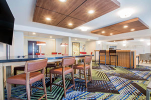 Lobby - Holiday Inn Express Hotel & Suites West Airport Albany