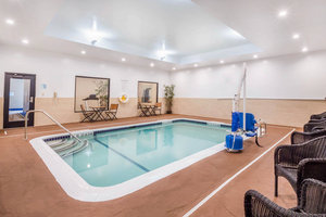Pool - Holiday Inn Express Hotel & Suites West Airport Albany
