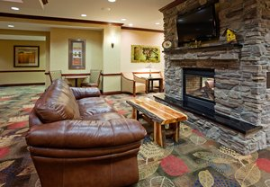 Lobby - Holiday Inn Express Hotel & Suites North Helena