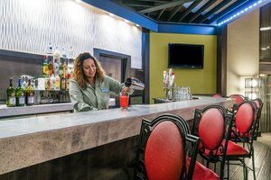 Bar - Holiday Inn PA Turnpike Morgantown