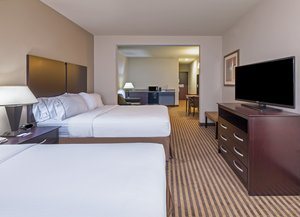 Suite - Holiday Inn Express Hotel & Suites Brady