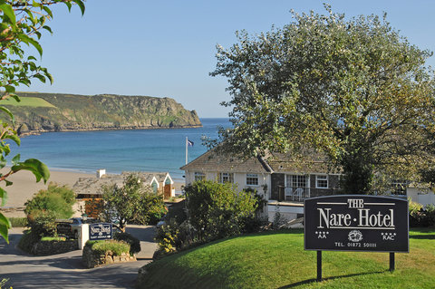 The Nare\'s peaceful oceanfront location