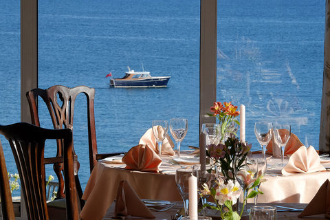 The Dining Room has magnificient sea views on thre
