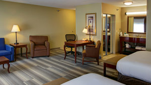Suite - Holiday Inn Express Hotel & Suites Sioux City