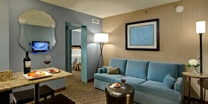 Suite - Crowne Plaza Hotel O'Hare Airport Rosemont