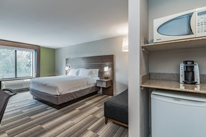 Room - Holiday Inn Express Notre Dame South Bend