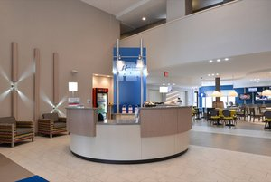 Lobby - Holiday Inn Express Hotel & Suites Shippensburg