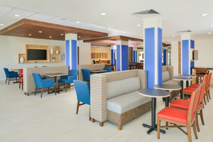 Lobby - Holiday Inn Express Hotel & Suites Chadron