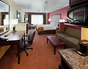 Suite - Holiday Inn Express Hotel & Suites Airport Great Falls