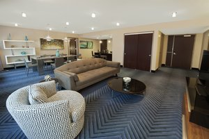 Suite - Crowne Plaza Hotel Plainsboro